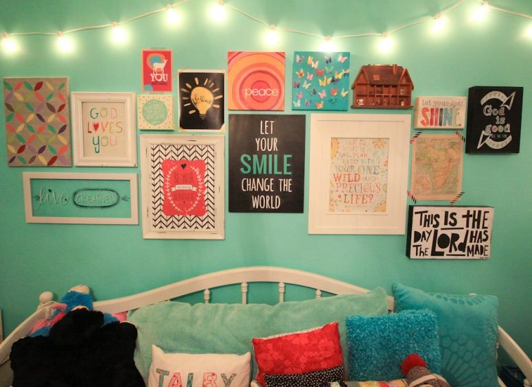 Whatever blog talby 39 s room gallery wall gallery of for Teen wall decor