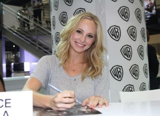 THE VAMPIRE DIARIES SIGNING GALLERY COMICCON 2O13