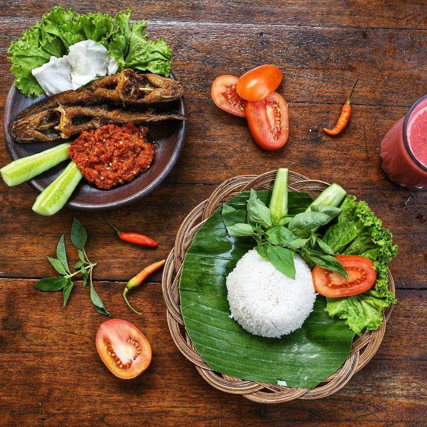 Pecel Lele Makanan Makanan Dan Minuman Ayam