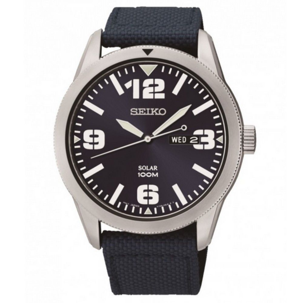 Powered by both natural and artificial light, the Men's