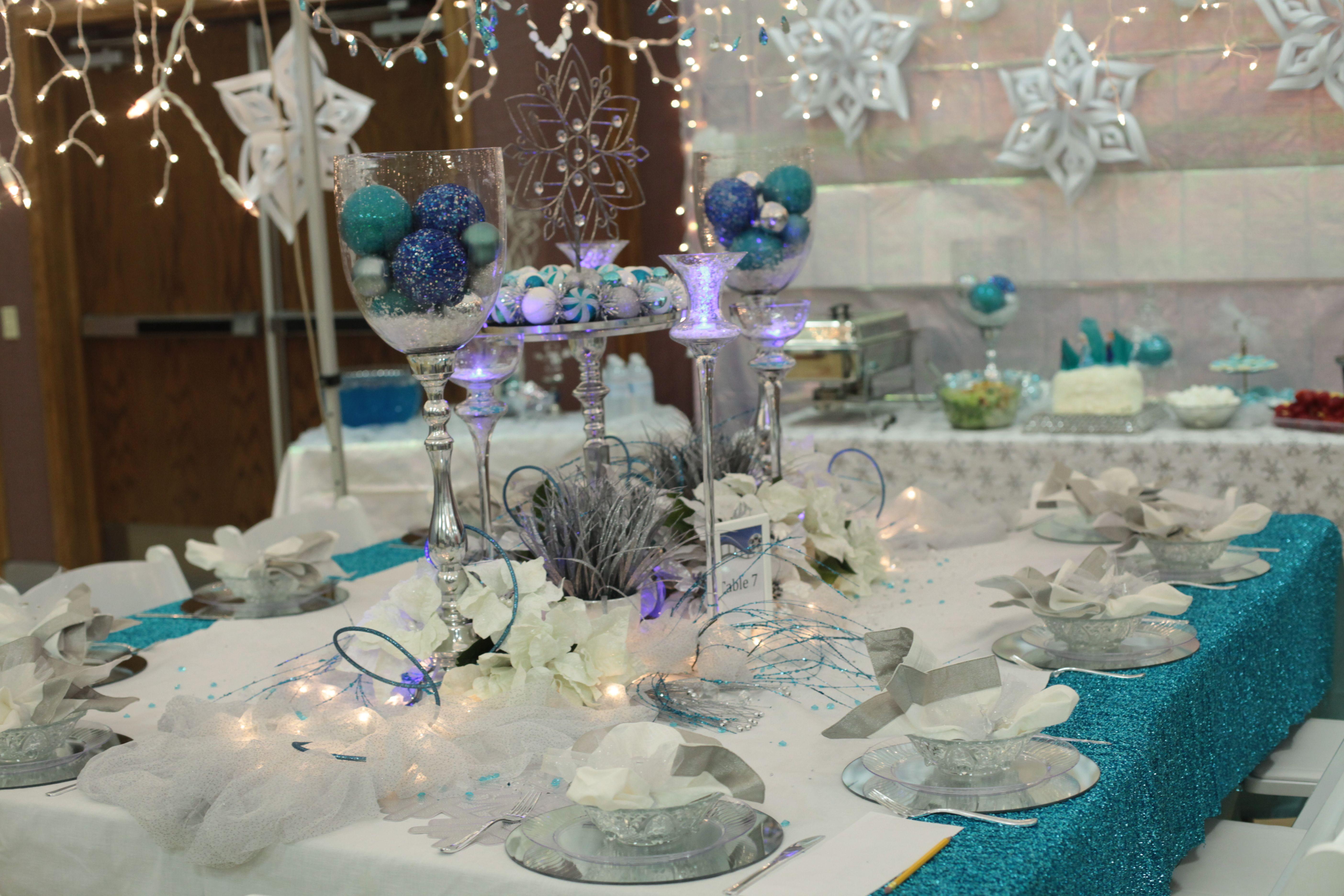 frozen table setting - Google Search | party ideas | Pinterest ...