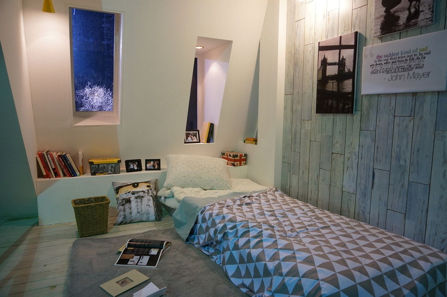 How to Create a Korean Style Bedroom in 4  Black bedding decor