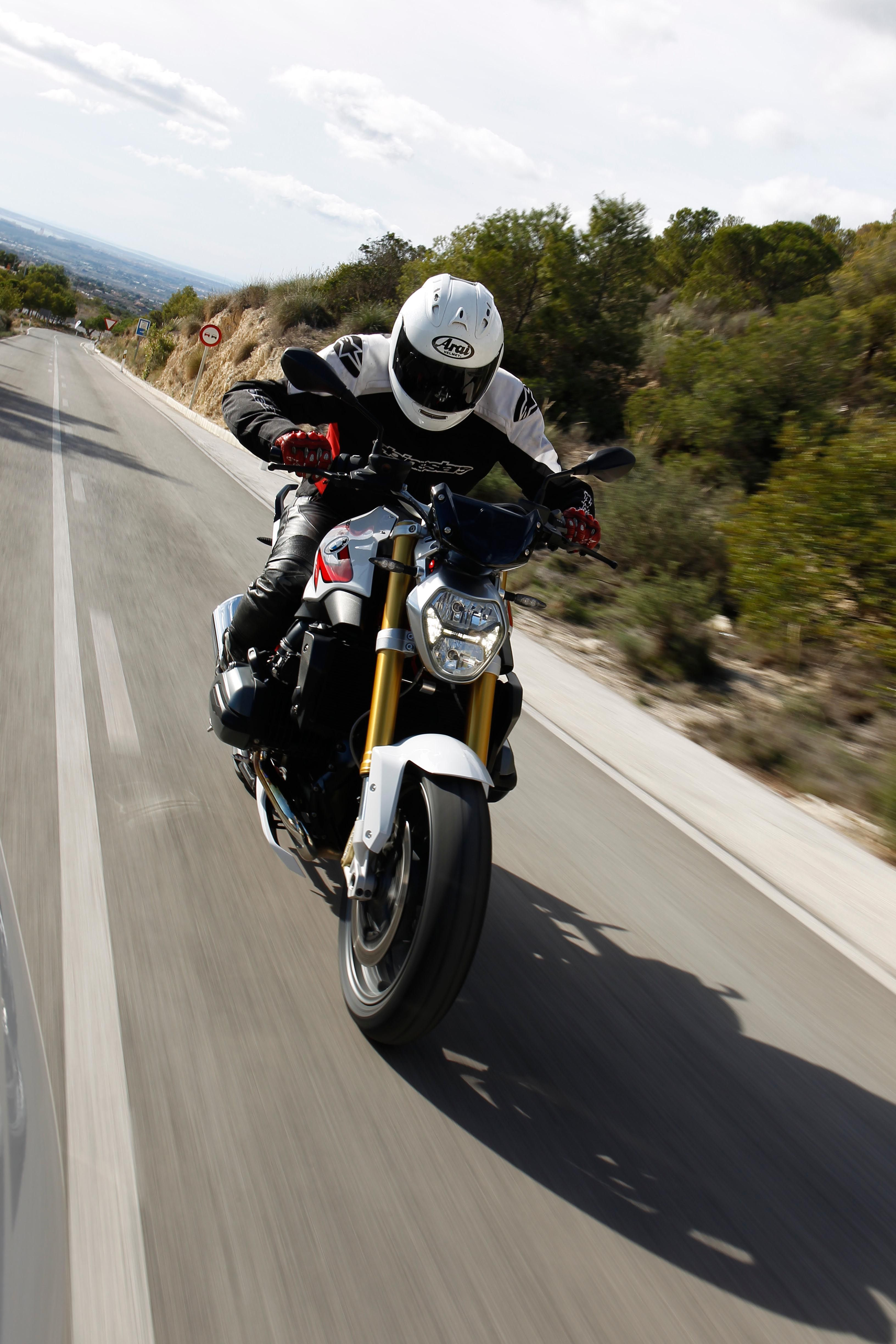 We Re Riding The Bmw R1200r In 2020 Bmw Motorcycle News Product Launch