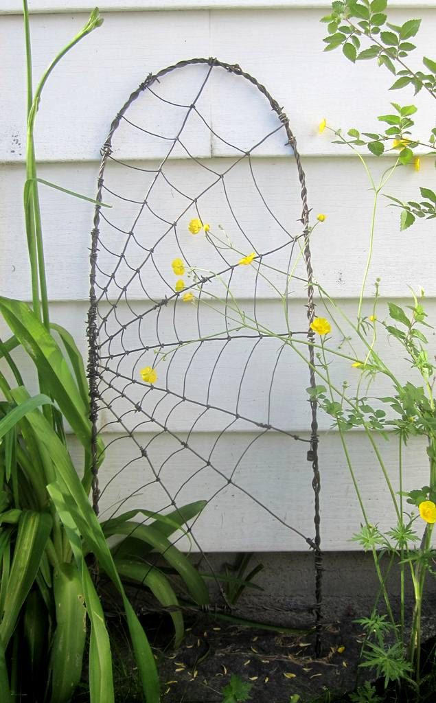 Wire Trellis Ideas Part - 33: Beautiful Barbed Wire Spider Web Garden Trellis By Thedustyraven, $57.00