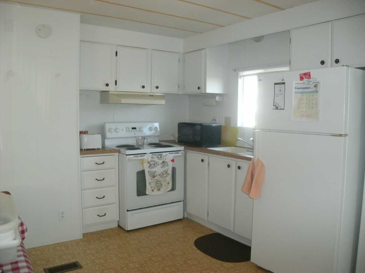 1981 Mobile Manufactured Home In Saint Petersburg Fl Via Mhvillage Com Mobile Homes For Sale Mobile Home Manufactured Home