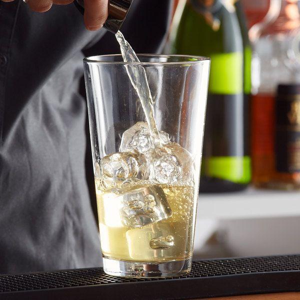 Photo of Libbey 5137 Restaurant Basics 20 oz. Mixing Glass – 24/Case