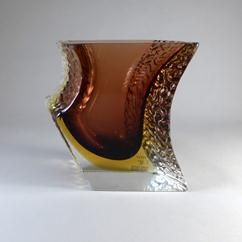Un Grand asymétrique Mandruzzato Conçu Murano Sommerso vase en verre