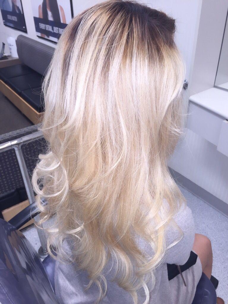Blonde Ombre With Dark Root Dark Roots Blonde Hair Blonde Hair Inspiration Blonde Hair With Roots