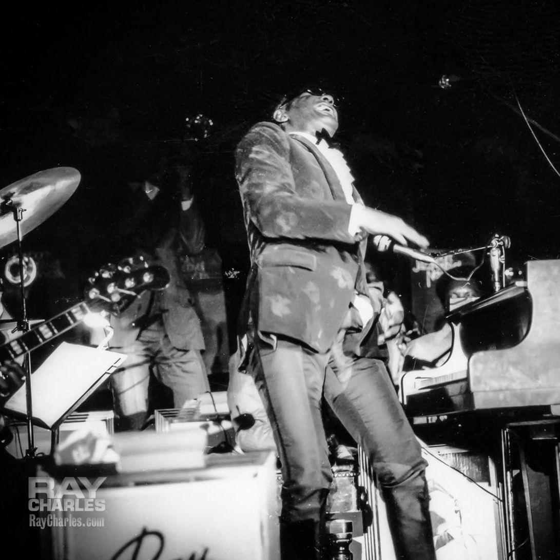Ray Charles, walkon (1980s?). Ray charles, Concert, Walk on