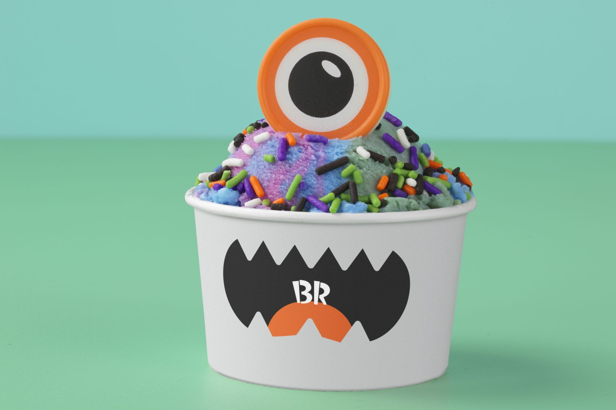 BaskinRobbins Celebrates National Ice Cream Month With