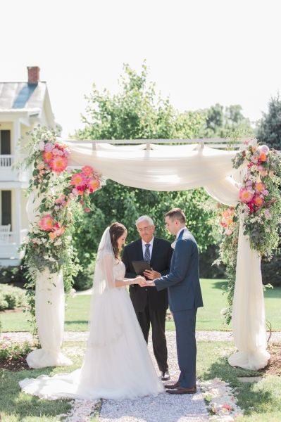36 Stunning Ceremony Structures For An Outdoor Wedding