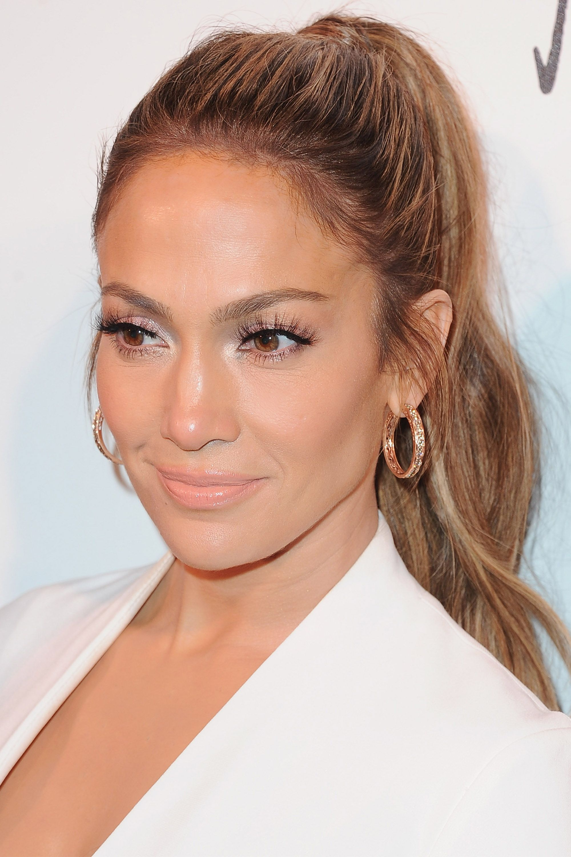 20 Chic Ways To Upgrade A Boring Ponytail Jennifer Lopez Hair Ponytail Hairstyles Pretty Ponytails