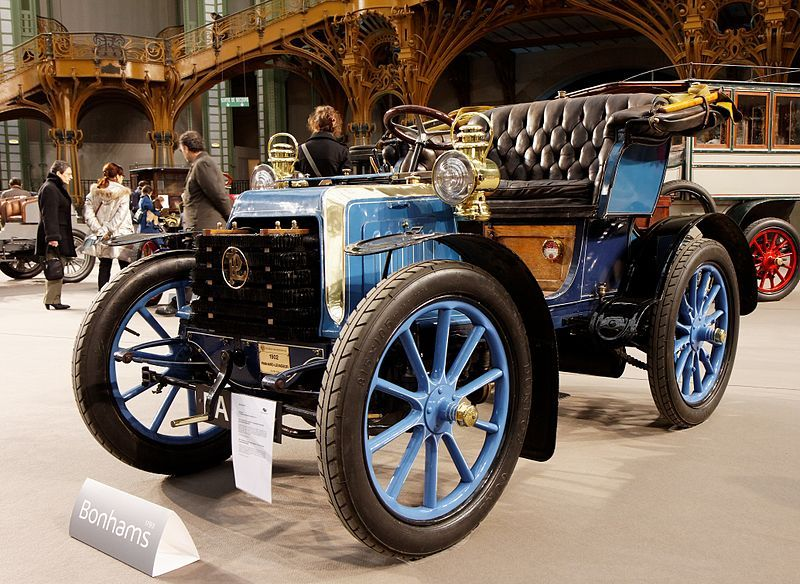 1902 panhard et levassor 7 cv  panhard sold its first automobile in 1890  based on a daimler