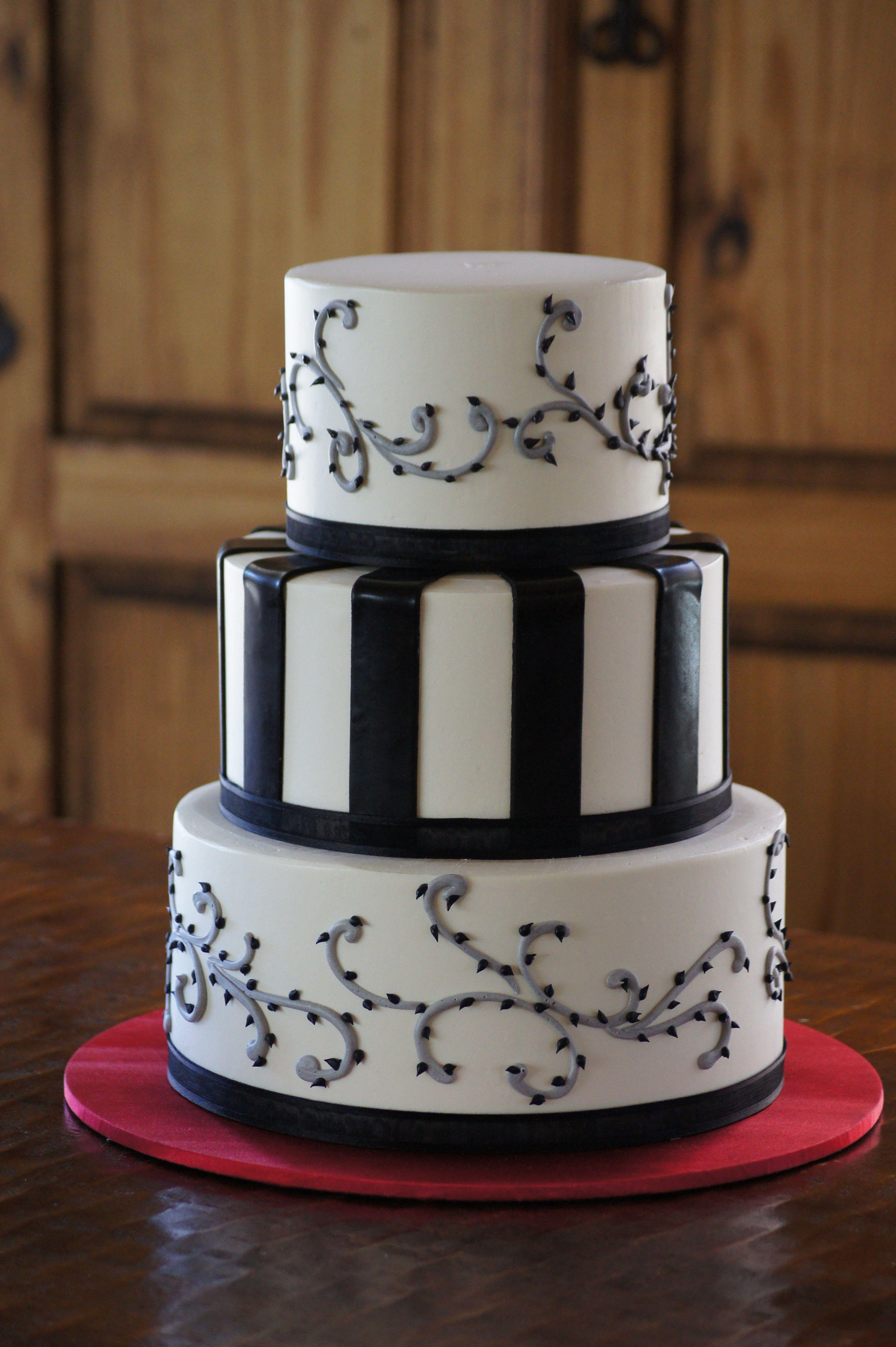 Tim Burton themed wedding cake   different kinda wedding day ...