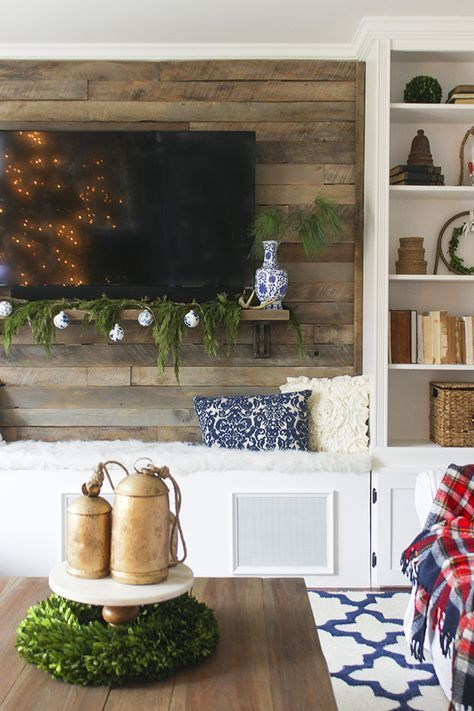 Christmas Living Room With Rustic Pallet Accent Wall