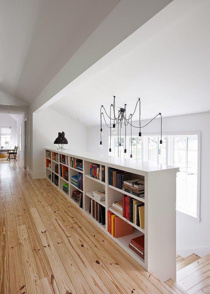 Intemporelle palier loft et tag res - Bibliotheque sous escalier bois ...