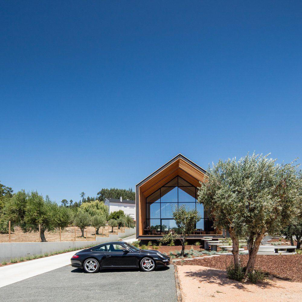 Ein individuelles Haus nach Baukastenprinzip steht im ...