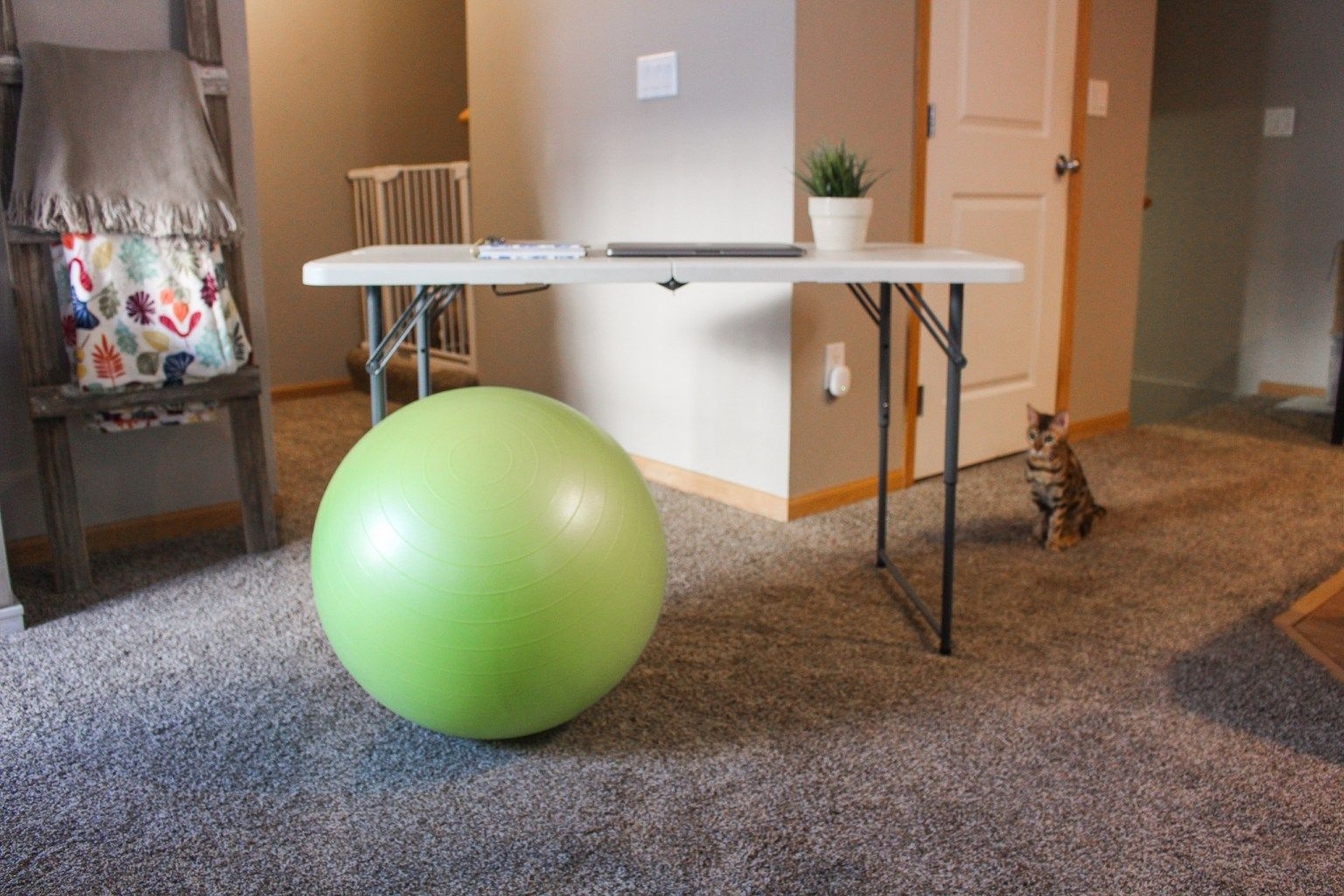 Tips on Working From Home Without an Office or Desk in ...