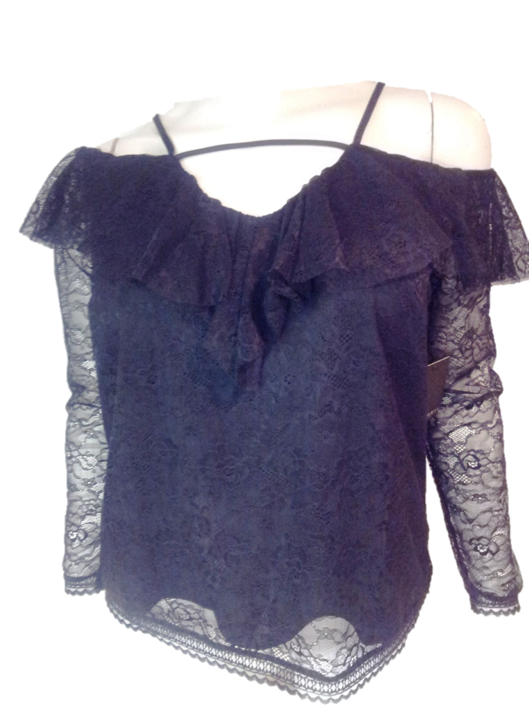 de5b403c9f1 This pretty ELOQUII Top Black Size 16 is off the shoulder with
