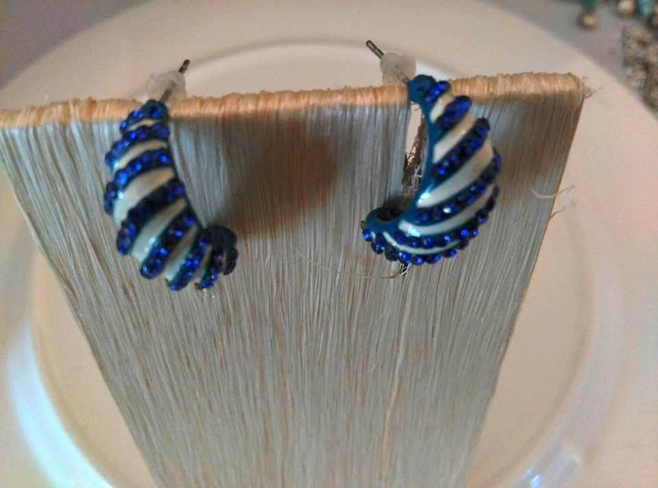Womans Earrings Half Moon Blue White