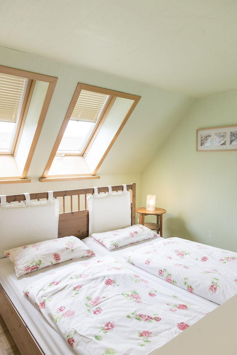 Grosses Helles Schlafzimmer Mit Doppelbett Urlaub Natur