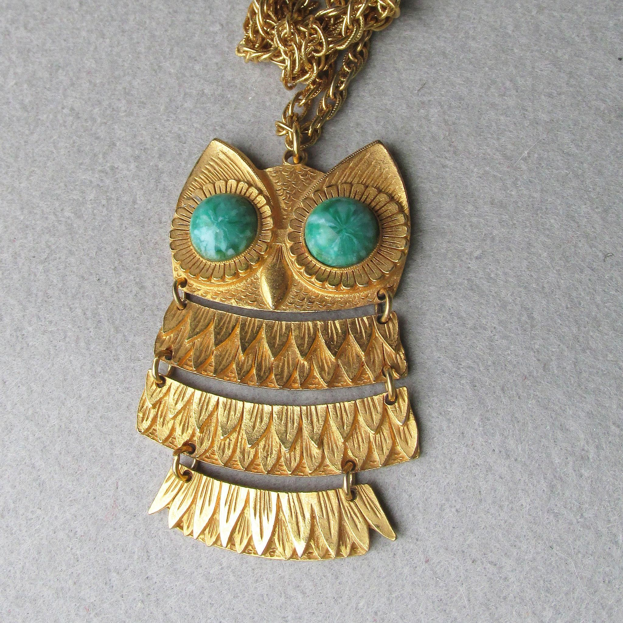 Cute vintage us articulated owl pendant necklace faux jade
