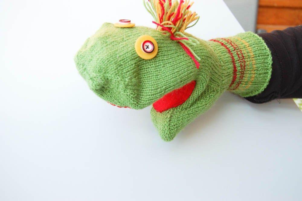 Super Anleitung: Handpuppe aus Socken – Sockenmonster   Basteln -Baby OP71