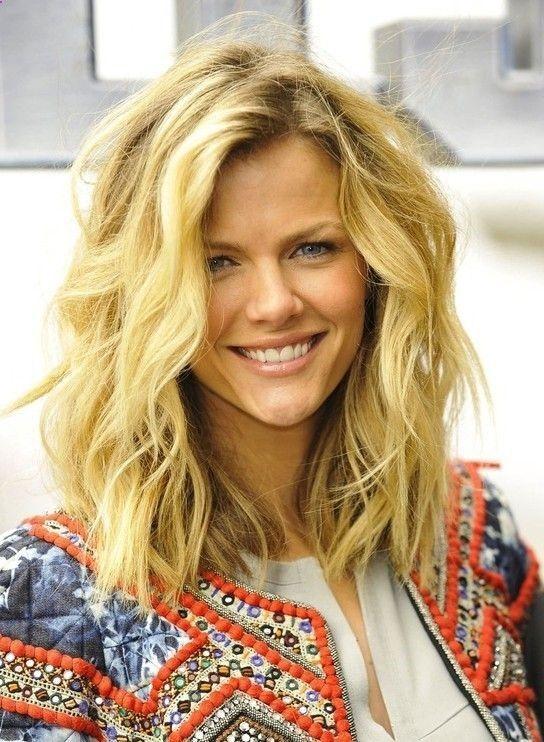 Messy Hairstyles For Medium Length Hair Hair Styles Medium Length Wavy Hair Thick Wavy Hair