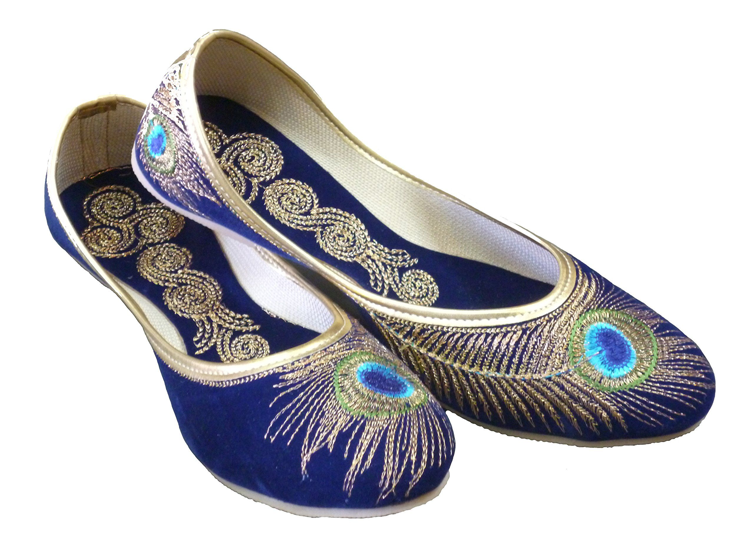 8570446466e4b Amazon.com: Handcrafted Luxury Women's Velvet Khussa Shoe: Clothing ...