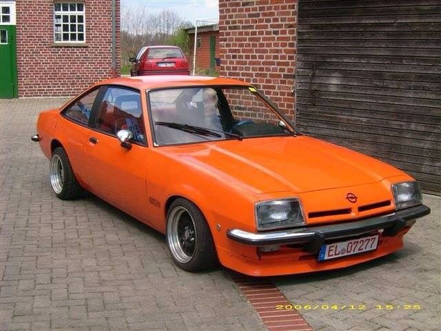 Opel Manta B Orange