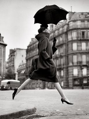 """Richard Avedon- one of the first to photograph fashion """"in motion"""""""