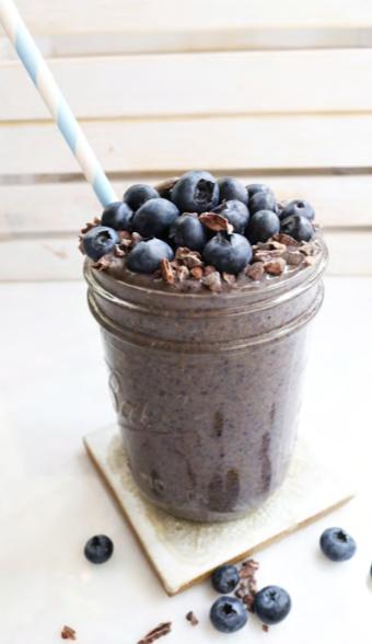 Blueberry Bombshell Smoothie From The Bikini Series Nutrition Program Click For Recipe Smoothies Lekker Drankjes