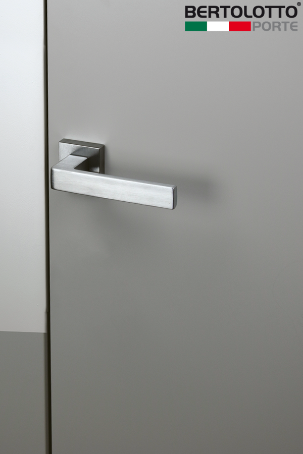 Flush To Wall Doors Provide The Utmost Formal Linearity No Frames Nor Visible Jambs And Perfect Integration Into The Walls A Flush Doors Doors Door Handles