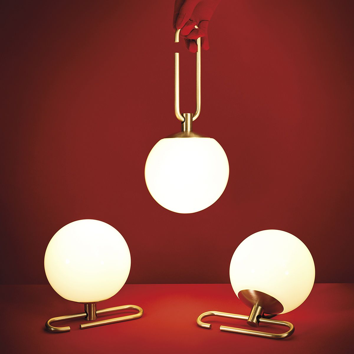 """Leuchte: """"nh 10"""" von Artemide - Bild 10  Lampentisch"""
