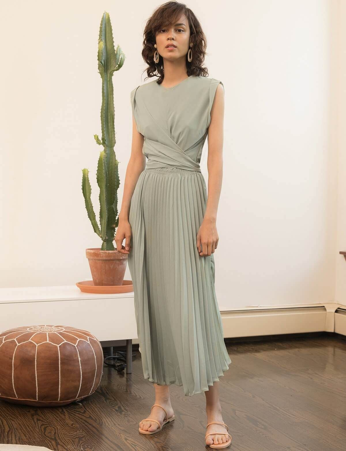 Melody Pleated Dress #sagegreendress