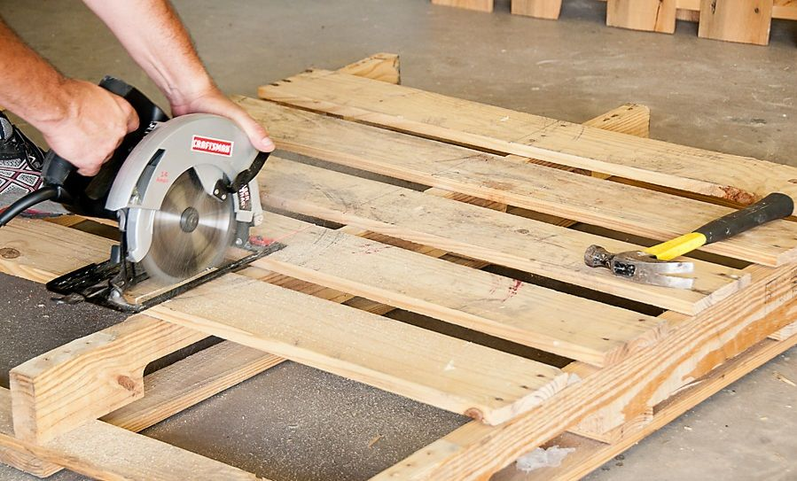 How To Dismantle Wood Pallets | Porch swing pallet ...