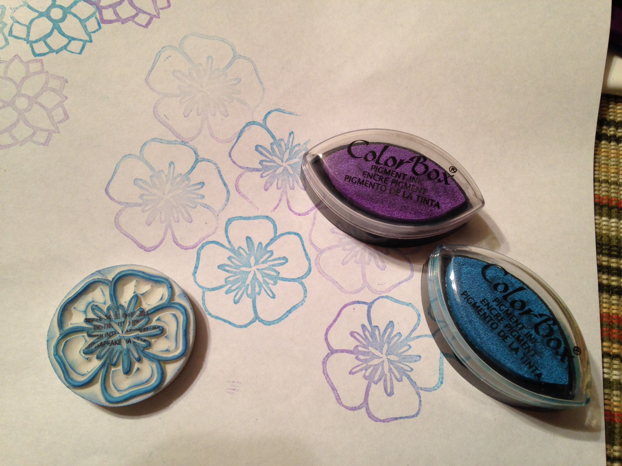 A pretty flower, eraser stamp. Using a couple of different colors to stamp with for ink.
