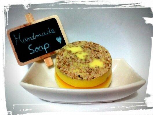 Jabón handmade merengue de limón.