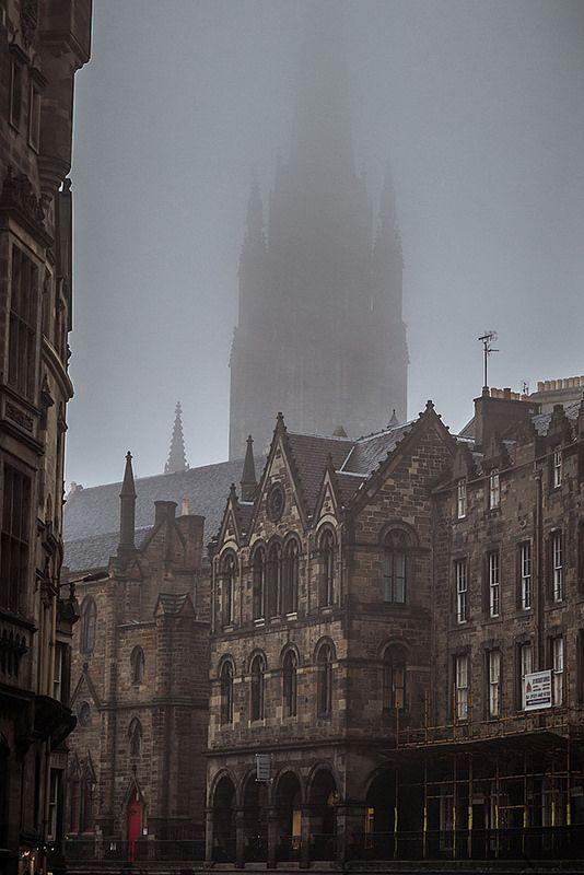 Fog over Victoria Street