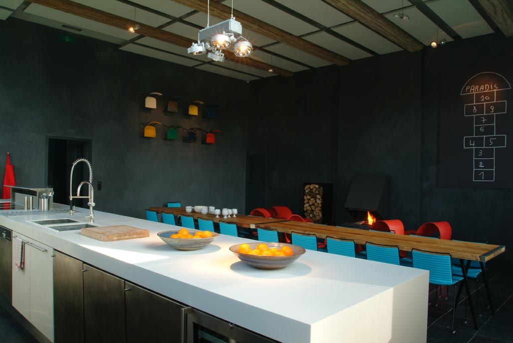 dark walls with color pop