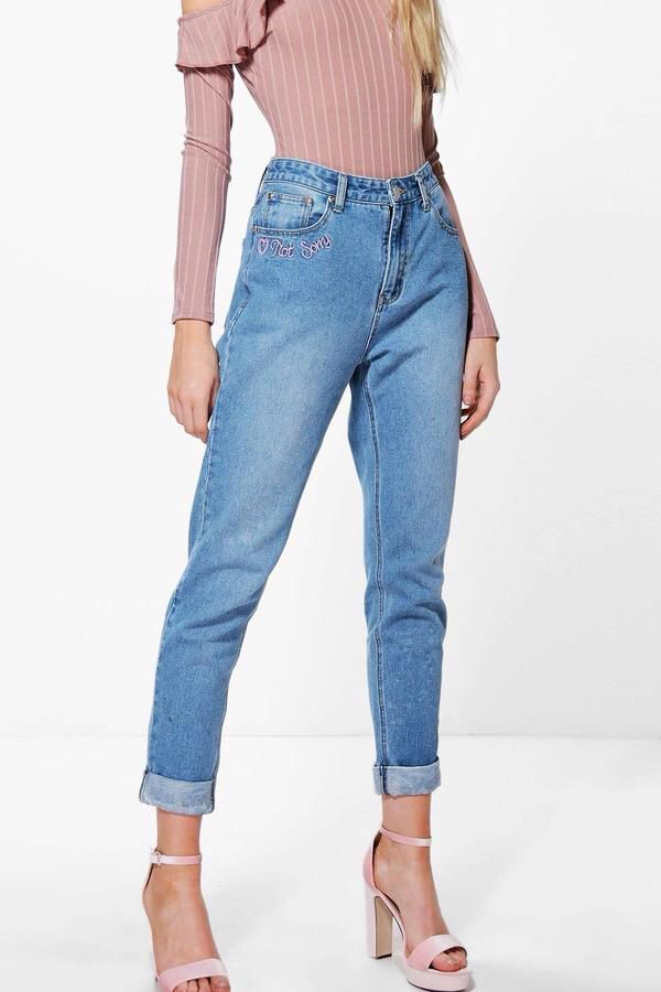 7f2d4cea56df boohoo Sophie High Waist Slogan Hem Mom Jeans | Fashion Finds ...