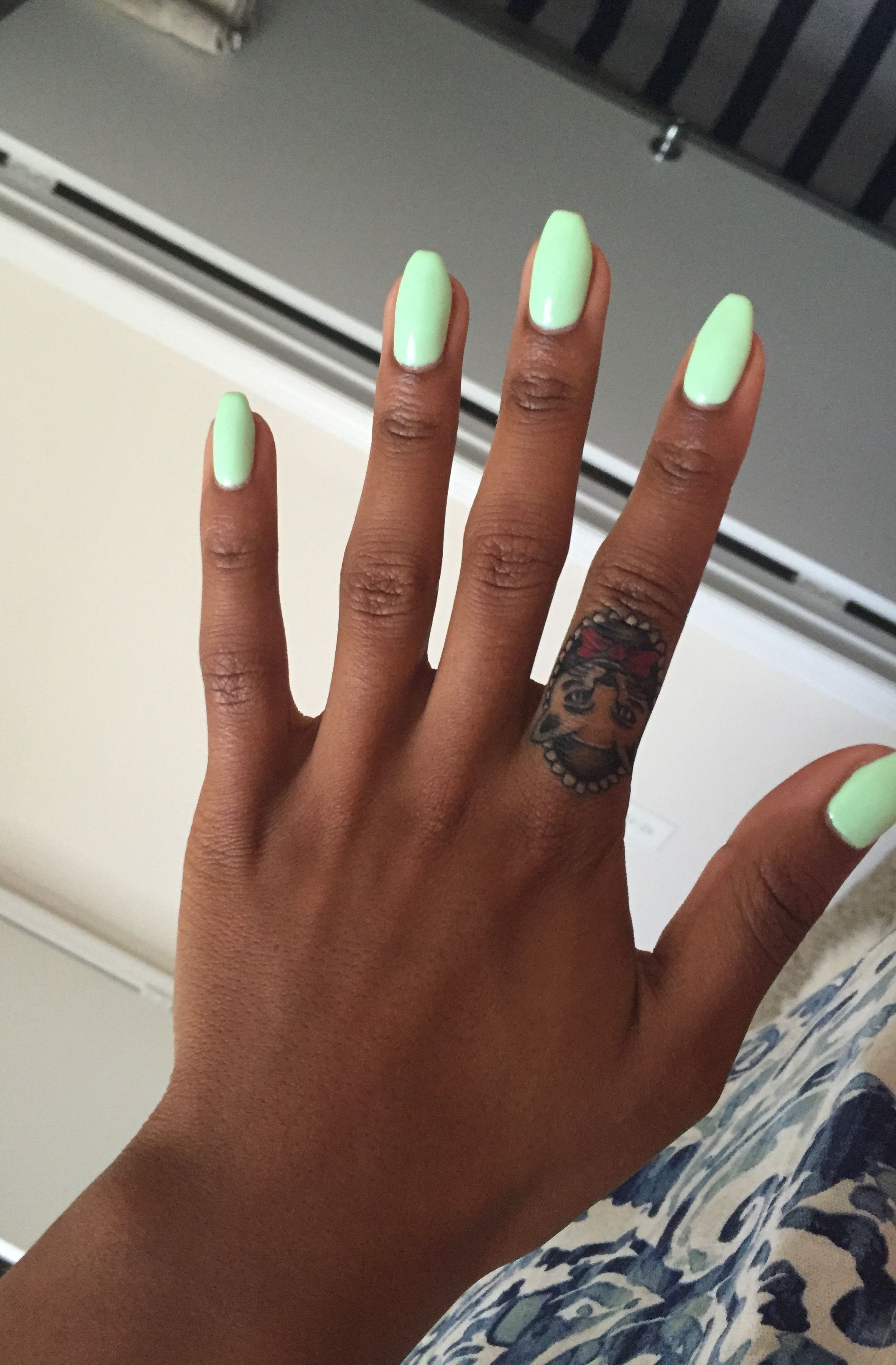 Slightly Tapered Square Mint Acrylic Nails Mint Acrylic Nails Mint Nails Green Acrylic Nails