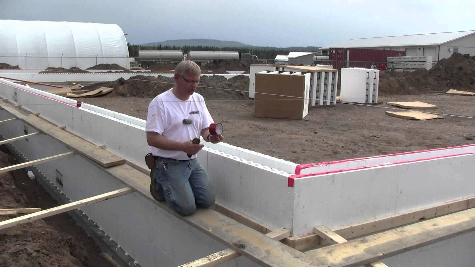 Fox Blocks Whitecourt Shop Part 1 Stem Walls Insulated Concrete Insulated Concrete Forms Concrete Forms Icf Forms