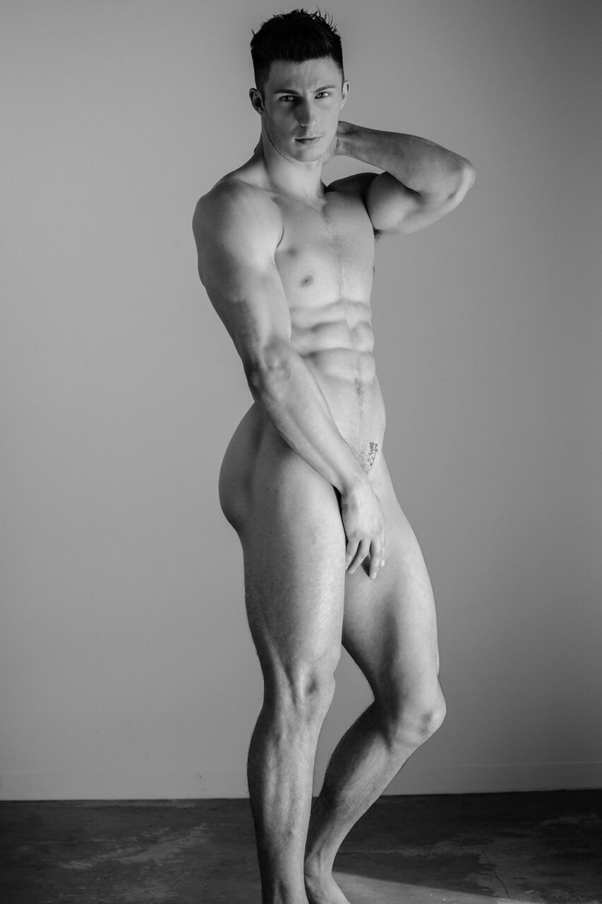 pictures-of-toned-naked-men