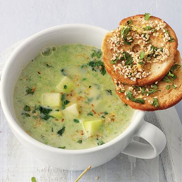 Kohlrabi-Spinat-Suppe/Kohlrabi-Spinat-Soup
