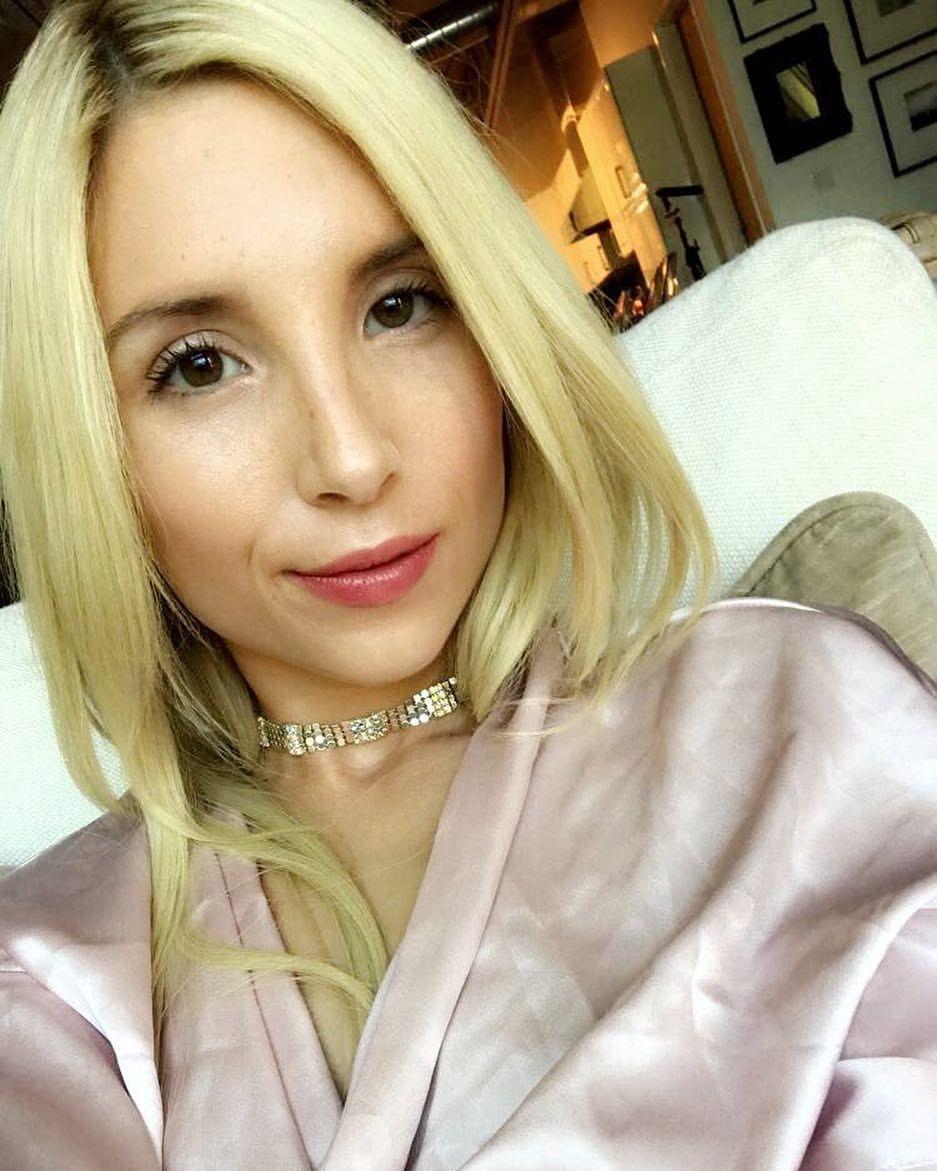 Video Caroline Lowe naked (58 photo), Sexy, Cleavage, Selfie, cleavage 2019