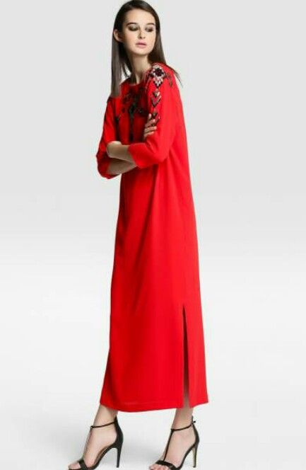 Red gown caftan muslim inspiration modest fashion