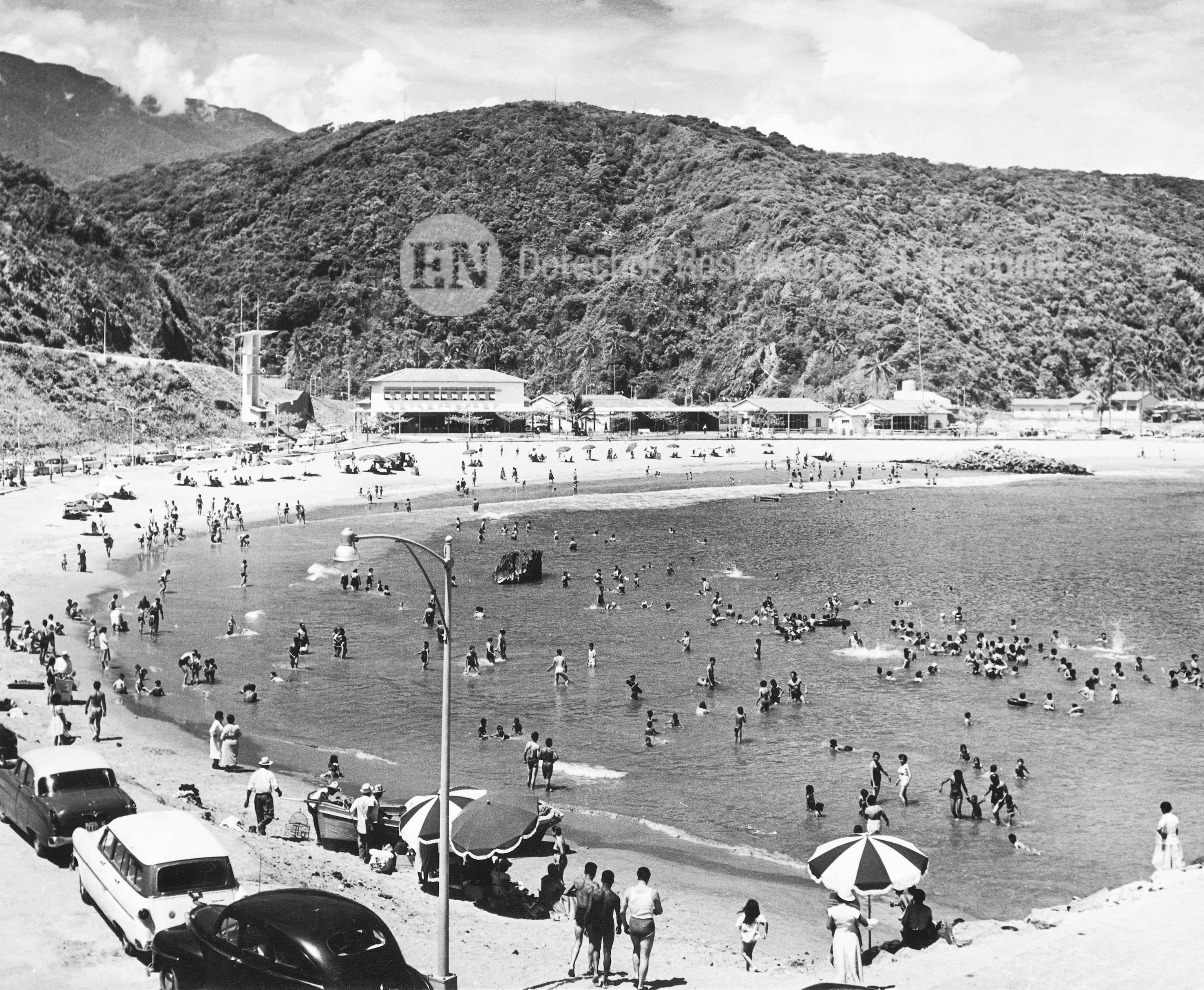 Balneario Los Caracas en el litoral central (Década de los años 50)  (ARCHIVO EL NACIONAL)