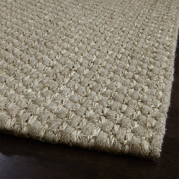 Voight WoolBlend Rug Crate and Barrel 5x8 is 399 retail 8x10