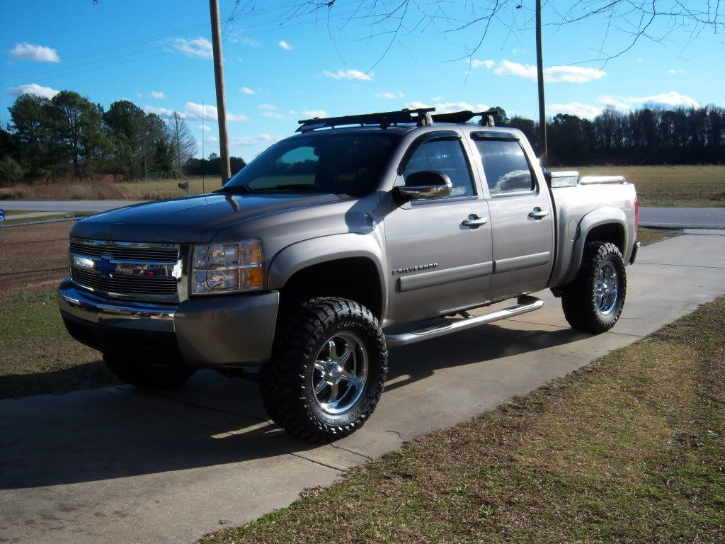 Lifted Chevy Silverado Lifted chevy, Truck covers